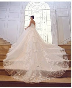 The Most Amazing Wedding Dress Ever | The Class Act